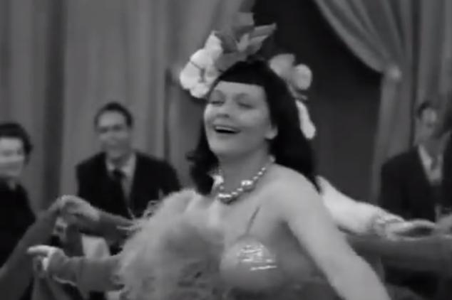 S01 E10 Lucy as Jezebel dancer