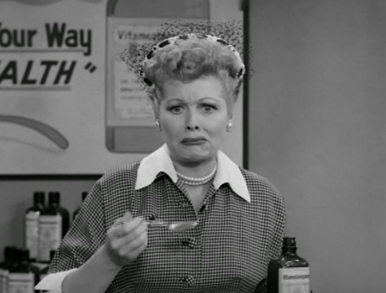 i love lucy s01 e30 lucy does a tv commercial wtf lucy