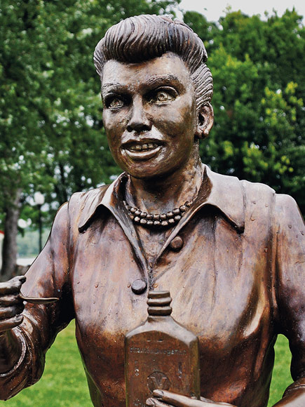 Ugly Lucy Statue